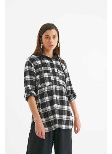 Reyon Kadın Kapşonlu Çift Cep Oduncu Gömlek Bordo Siyah